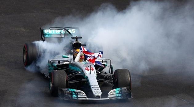 Mercedes ra mắt mẫu xe cho mùa giải F1 2018 vào tháng sau