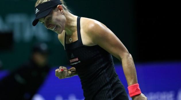 WTA Finals: Cựu số 1 thế giới thua đau kẻ đóng thế