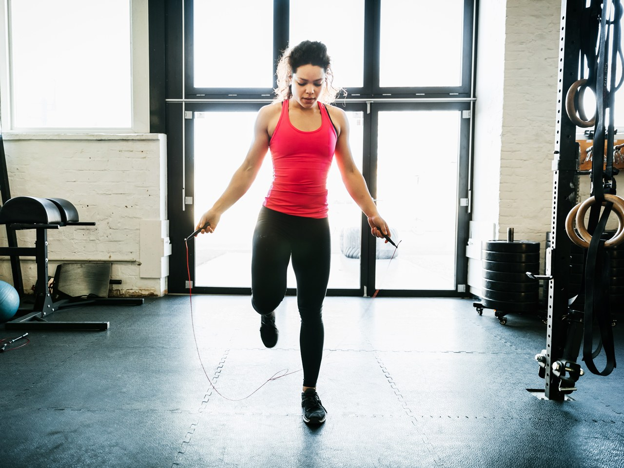 woman-jumping-rope