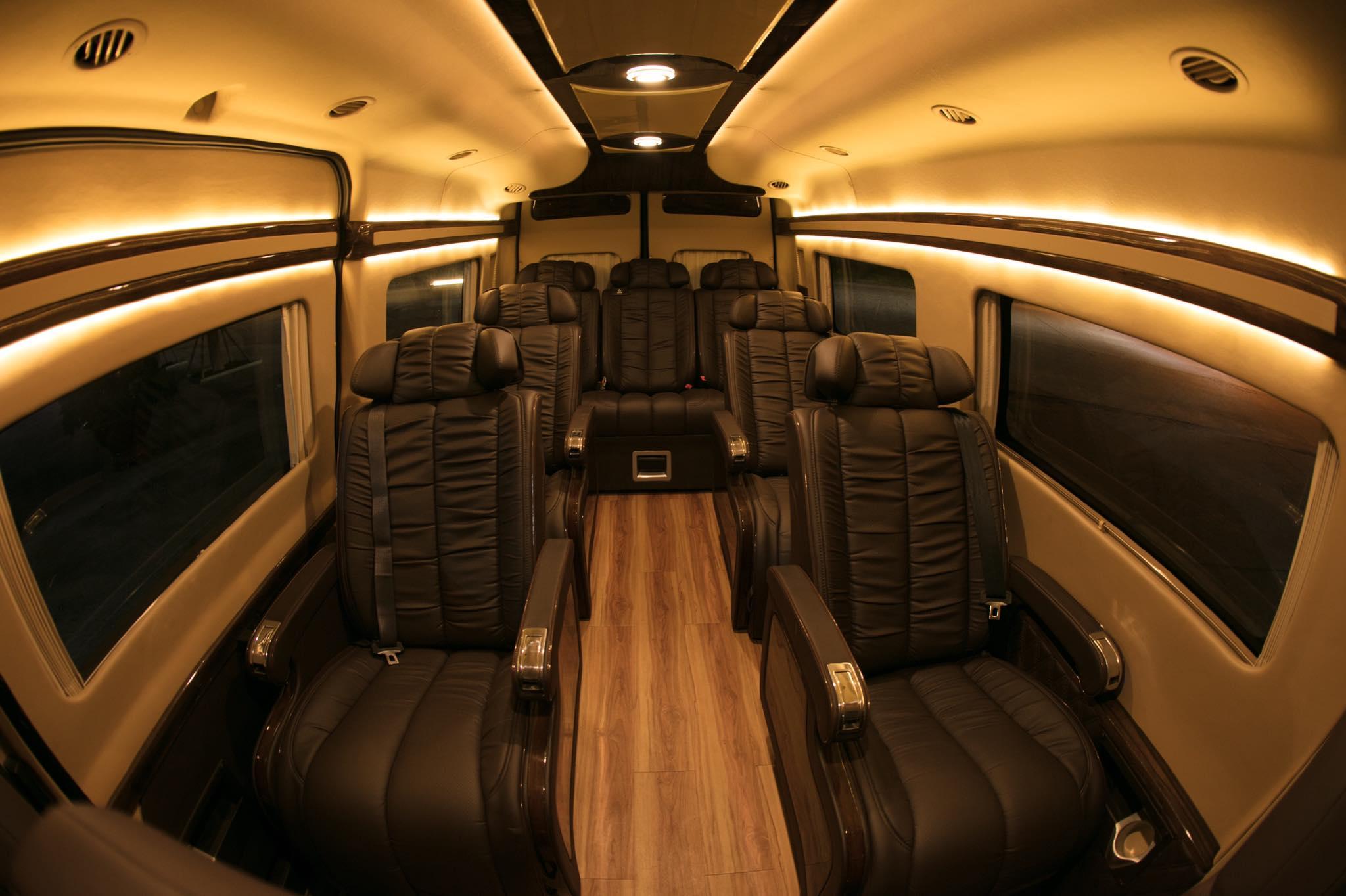 ford-transit-limousine-1