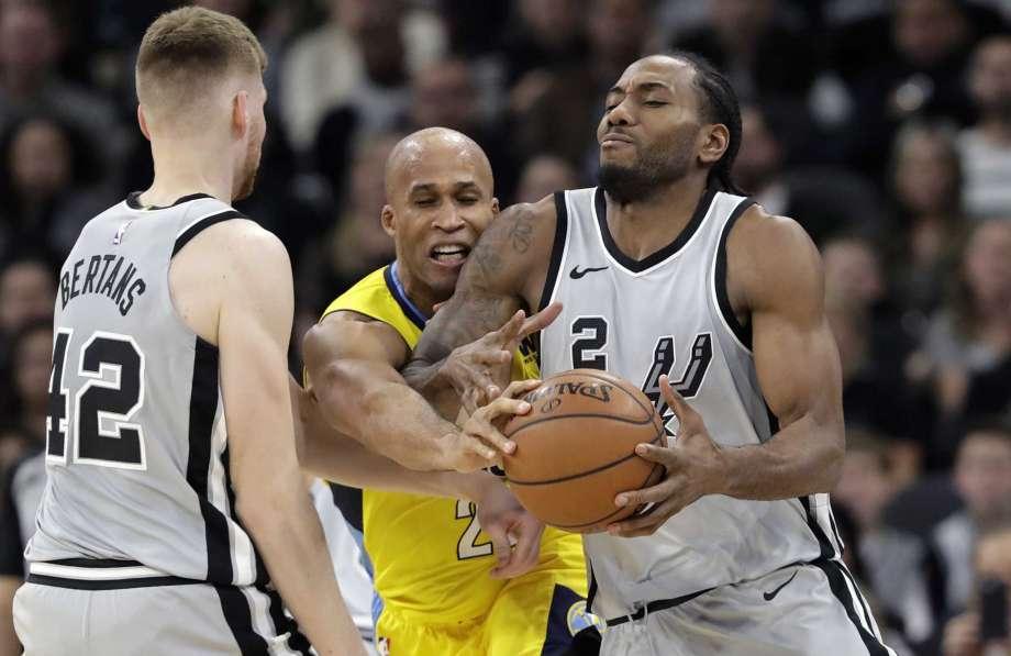 Spurs-Nuggets-23