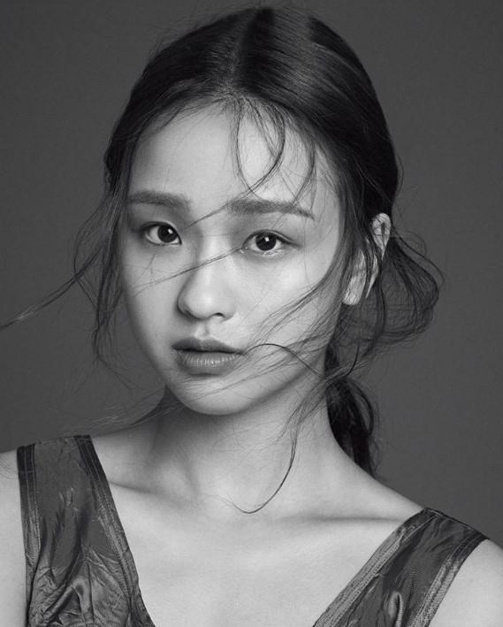 Son-Yeon-Jae-07
