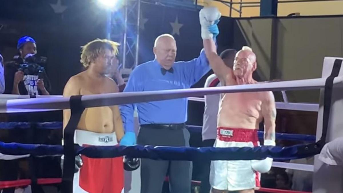ward-hughes-oldest-boxer-