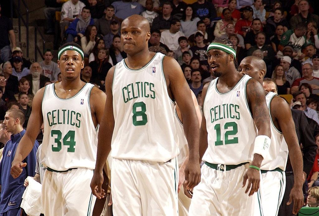 NBA-Pha-San-09