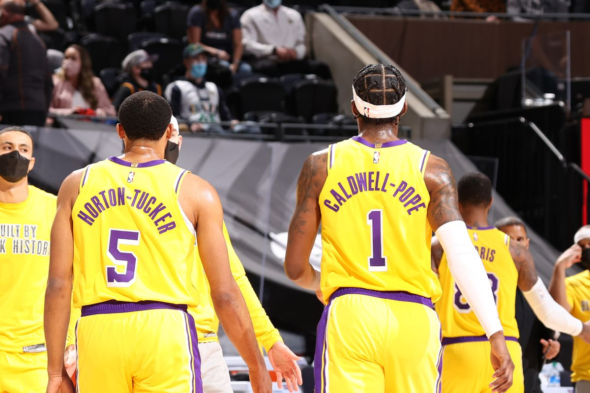 lakers-11