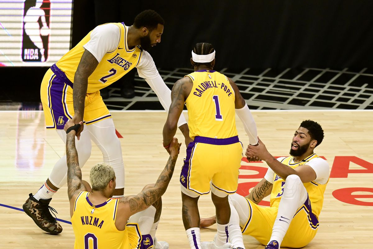 lakers-13