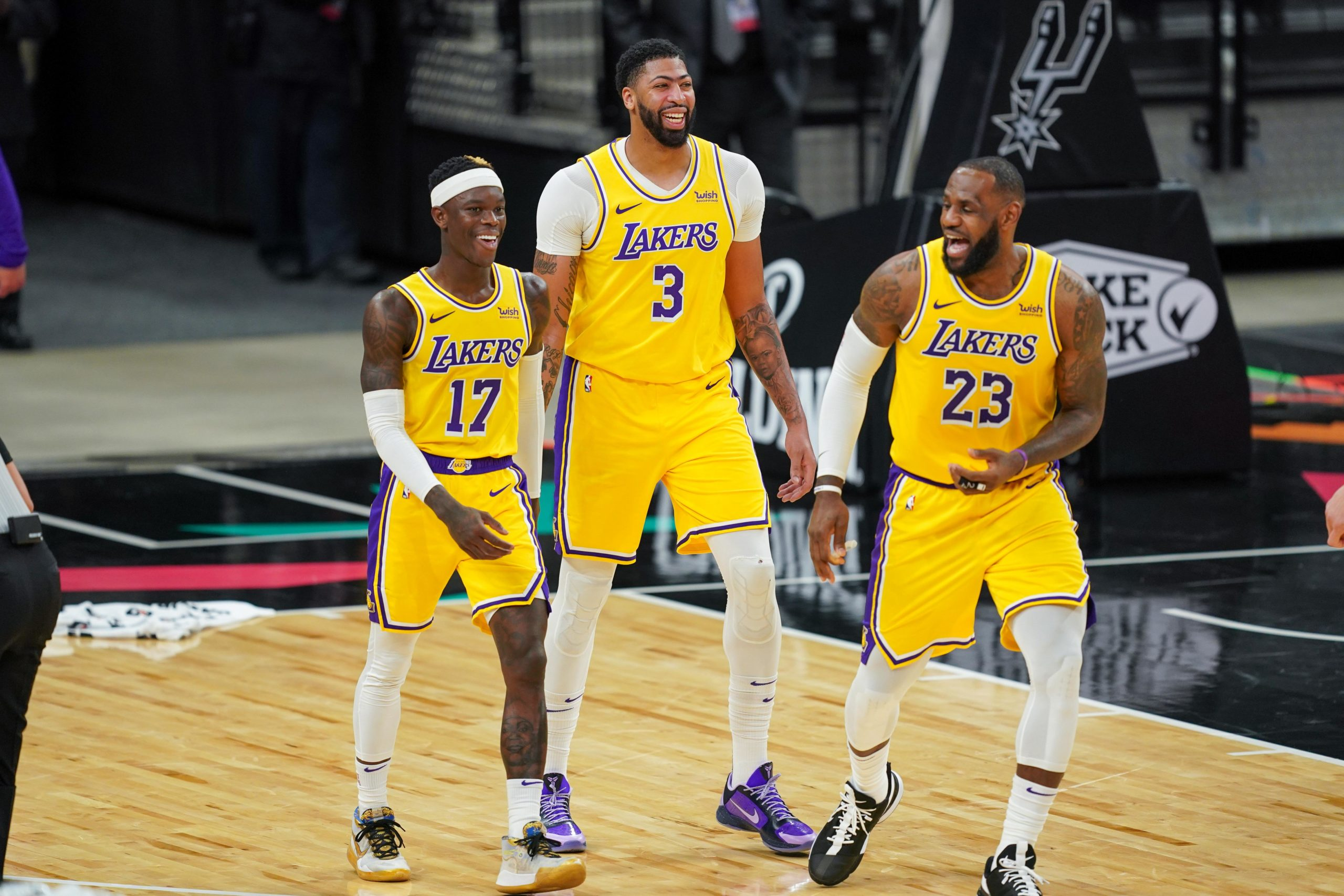 lakers-16