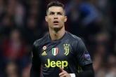 Ronaldo gặp khó tại Serie A vì một 'ông lão'