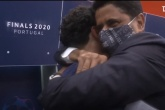Al-Khelaifi 'thân chinh' đến phòng thay đồ PSG