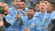 """Man City """"quẩy tưng bừng"""" trong ngày nâng cúp vô địch Ngoại hạng Anh"""