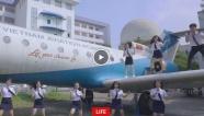 Màn nhảy flashmob nóng bỏng của sinh viên Học viện Hàng không Việt Nam