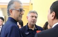 Chủ tịch LĐBĐ Châu Á bất ngờ gặp mặt các cầu thủ U19 trước ngày lên đường