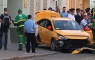 Taxi tông vào CĐV ở Moscow, 8 người bị thương