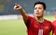 Nóng! NHM Việt Nam tranh cãi nảy lửa về cơ hội ra sân của Văn Quyết