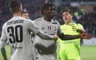 Phá banh lưới, 'kẻ đóng thế Ronaldo' ăn mừng khiến đối thủ phải can ngăn