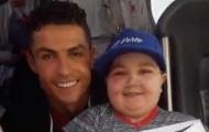 Với hành động này, Ronaldo lại đốn tim người hâm mộ