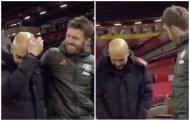 Vừa hết trận, Carrick làm điều khó hiểu với Guardiola