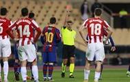 SỐC! Đánh nguội, Messi lần đầu nhận ngay cái kết đắng