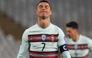 Sau tất cả, trọng tài chính phá vỡ im lặng về scandal Ronaldo