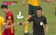 Trọng tài có hành động gây sốc khi Việt Nam thua Australia