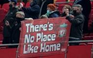 Ai là chủ sở hữu thật sự của Old Trafford, Anfield?