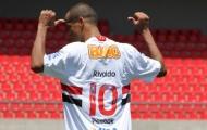'Người hùng một thời' Rivaldo tới chơi bóng ở Angola
