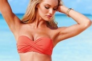 Video: Candice Swanepoel Sexy với bikini