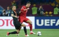 Van der Wiel thừa nhận theo kèm Ronaldo là điều không thể
