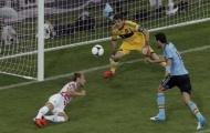 """Tương phản Casillas vs Arbeloa: """"Thánh nhân"""" và kẻ khù khờ"""
