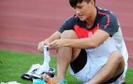 Đội tuyển Việt Nam: Bảo vệ đôi chân thuỷ tinh của Công Vinh và đồng đội