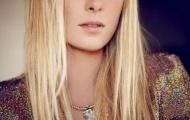 Masha tóc vàng mái ngố cực yêu