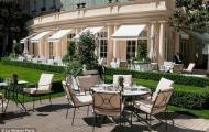 """Choáng với khách sạn """"ở tạm"""" của Becks tại Paris"""