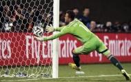Khoảnh khắc World Cup: Ochoa tỏa sáng và lời nguyền thủ môn của Capello