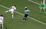 Khoảnh khắc World Cup: Giọt nước mắt của Luis Suarez