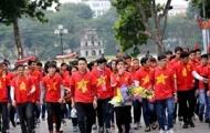 Video: CĐV Việt Nam diễu hành trước trận bán kết gặp Malaysia