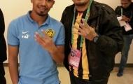 Cầu thủ Malaysia giơ 4 ngón tay ám chỉ chiến thắng Việt Nam