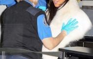 Kim Kardashian bị kiểm tra kỹ vòng ba ở sân bay