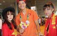 Fan quây kín U23 Việt Nam tại sân bay Tân Sơn Nhất