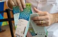 3 quan chức Ireland bị thu hộ chiếu vì liên quan đến 'phe vé'