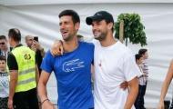 'Tiểu Federer' dương tính Covid-19, Djokovic từ chối xét nghiệm