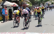 Chặng 7 giải xe đạp nữ Bình Dương lần thứ 11: Thứ hạng không đổi khi êkíp An Giang đưa tốp đông về