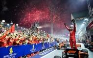 Sebastian Vettel chấm dứt 392 ngày không về nhất, Ferrari chiến thắng 1-2 ở Singapore