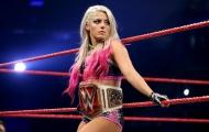 Cô gái bị rối loạn ăn uống trở thành đô vật thành công nhất WWE