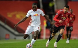 Trung vệ Bayern: 'Tôi muốn ký hợp đồng với Man Utd ngay lập tức'