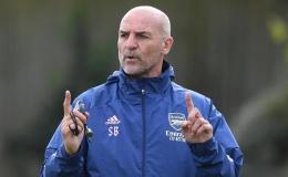 CHÍNH THỨC! Arsenal chia tay huấn luyện viên