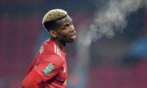 Varane gia nhập Man Utd, Pogba lập tức làm 1 điều
