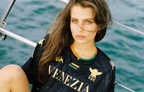 CLB Serie A dùng mỹ nhân mang nội y quảng bá áo đấu