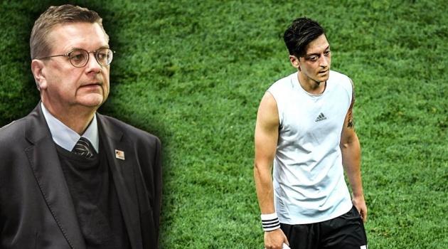 Quan chức Đức thừa nhận sai lầm trong scandal với Ozil