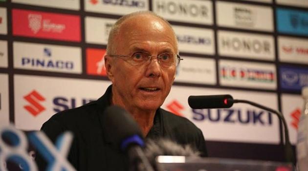Philippines bị loại, HLV Eriksson thừa nhận ghen tỵ một điều với ĐT Việt Nam