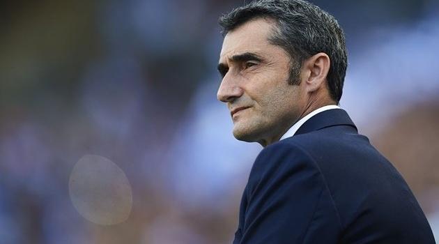 Thắng đậm Lyon, Barca vẫn chưa được hưởng niềm vui trọn vẹn